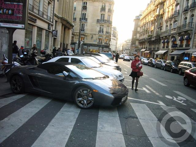 ■街角の車(パリ)_e0101749_5522296.jpg