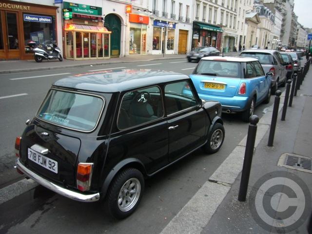■街角の車(パリ)_e0101749_5545845.jpg