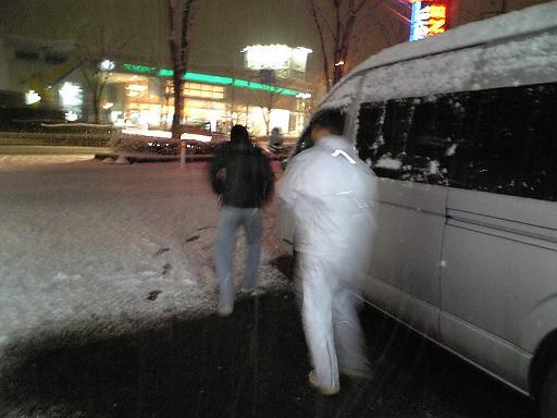 雪(ゴリラ)まつり_c0110396_13315646.jpg