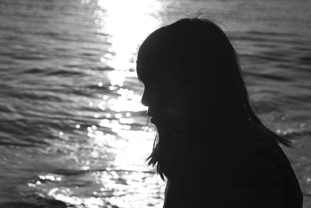 silhouette_b0067789_2217201.jpg