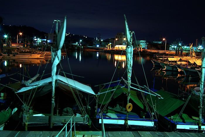 夜の漁港_c0152379_6195273.jpg