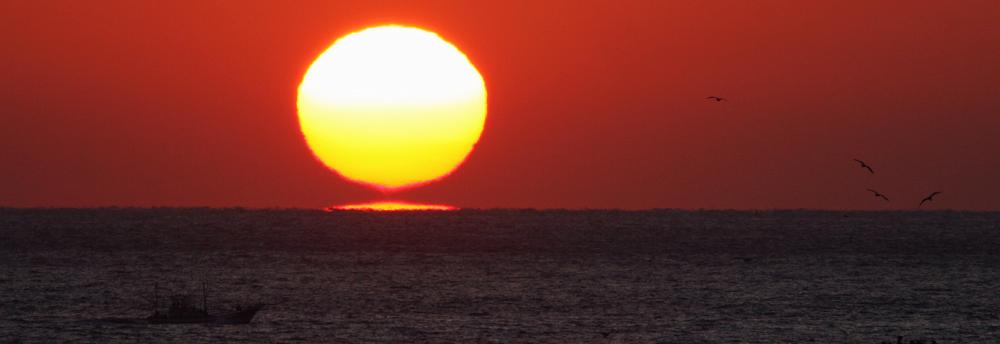 ワイングラスの夕陽_d0074828_0281867.jpg