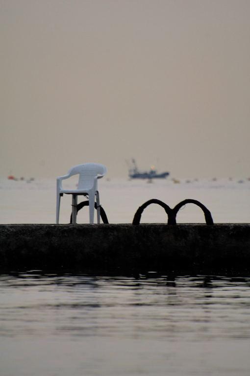 昨日の須磨海岸へ・・・日の出なし。(全てD2X)_d0148541_2126518.jpg