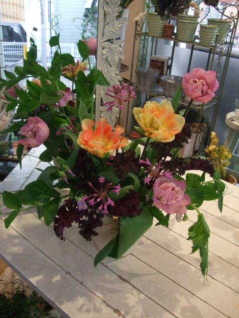 オークリーフ花の教室(エンドウを入れて。)_f0049672_162265.jpg