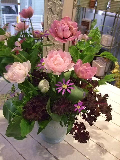オークリーフ花の教室(エンドウを入れて。)_f0049672_1673150.jpg