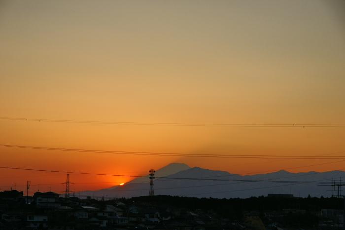 まだ強風の夕_e0077521_1956439.jpg