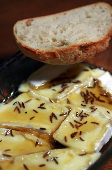 おいしいチーズの食べ方 <熟成ブリー編>_c0131054_14374716.jpg