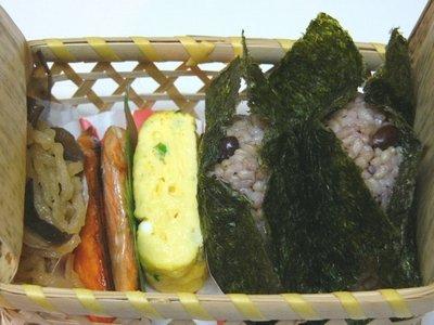 今日のお弁当 ☆ 玄米おにぎり♪_c0139375_14211683.jpg
