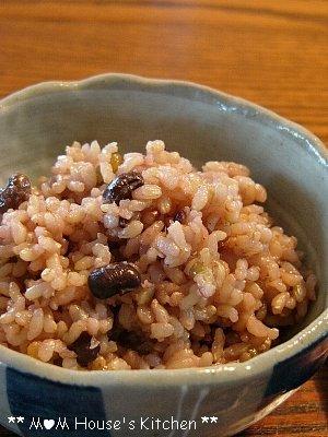 今日のお弁当 ☆ 玄米おにぎり♪_c0139375_14231277.jpg
