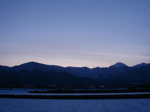 午後6時の風景_a0014840_1152295.jpg