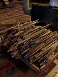乾いた竹は火力が強い_b0115652_18182622.jpg