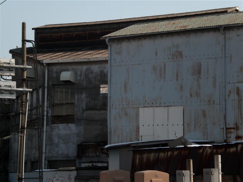 町工場の裏手_c0156717_6383945.jpg