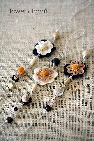 flower charm_d0124248_7334951.jpg