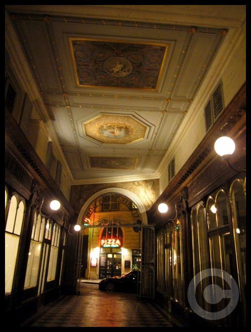 ■夜のパッサージュPassages(パリ)_a0012223_7543558.jpg