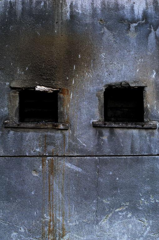 ビルの隙間_d0148541_21404016.jpg