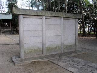 一宮市西大海道宅美神社の蕃塀_e0113570_0262962.jpg