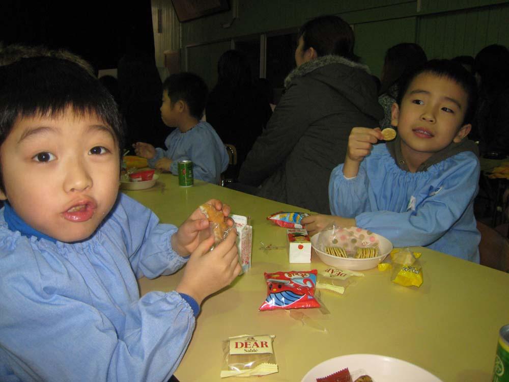 今日は次男の幼稚園最後の参観日_f0150893_17433792.jpg