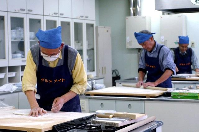 蕎麦うち体験教室に参加してみました。愛川町レディースプラザにて。_b0033423_12231449.jpg
