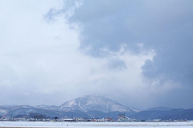 雪雲迫る_c0067040_23265679.jpg