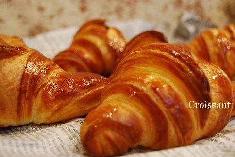**Croissant**_a0105872_18312443.jpg