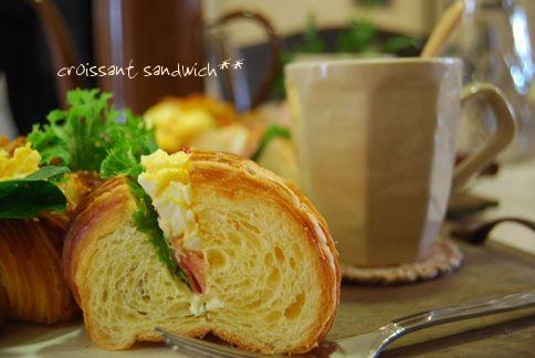 **Croissant**_a0105872_1837713.jpg