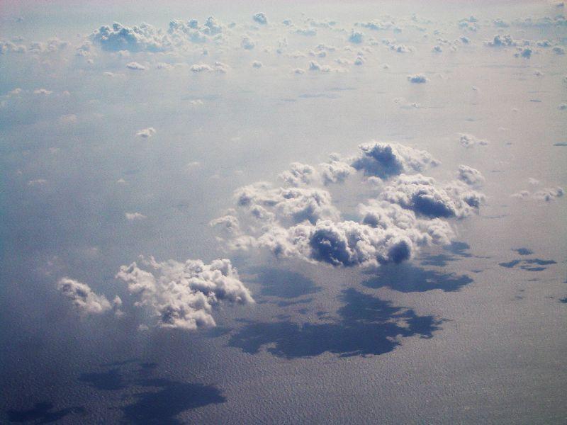 雲と光と雲の陰_b0028875_114195.jpg