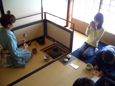 アート子ども茶会~茶碗をつくろう~茶会編_e0118827_1647320.jpg