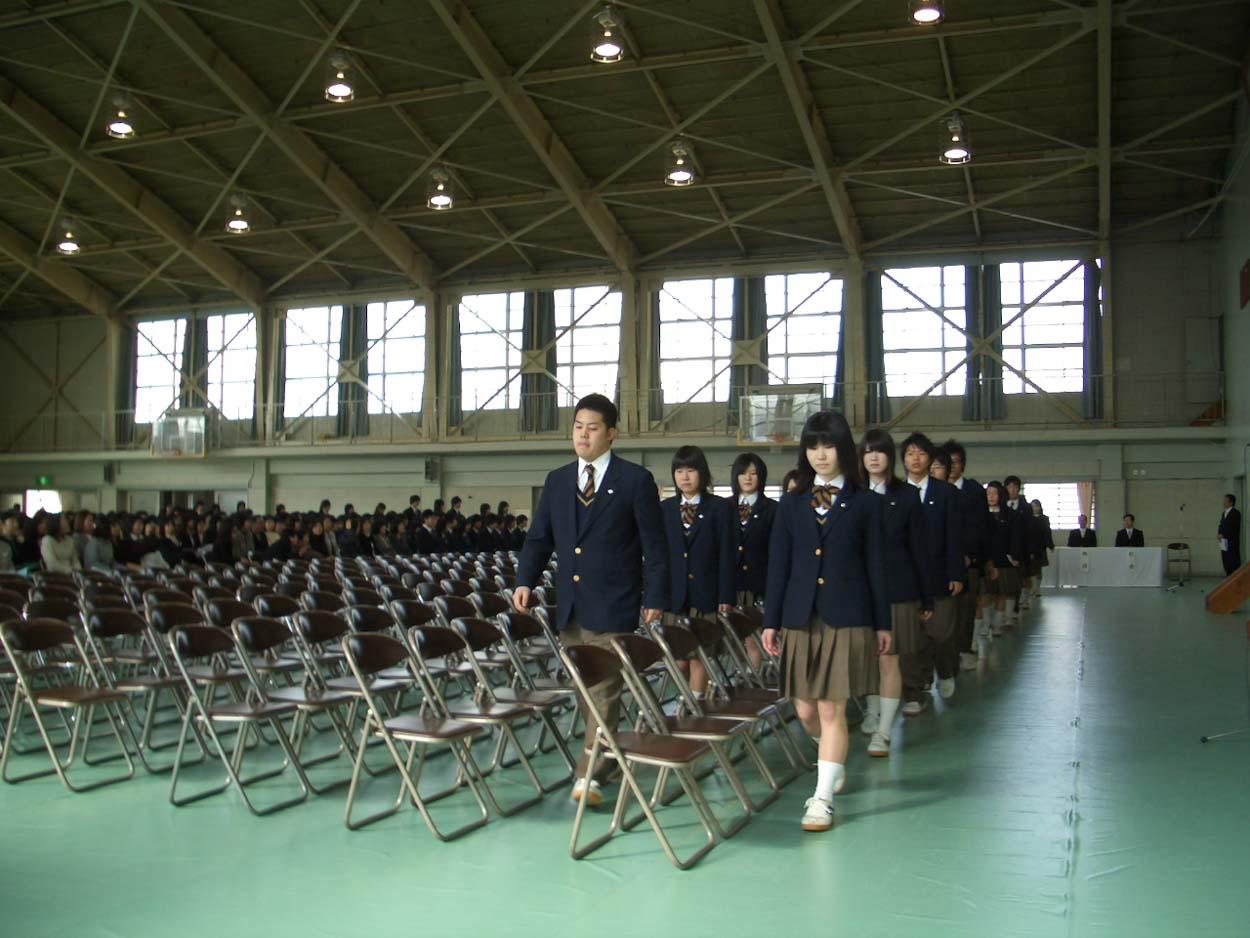 富士東高の卒業式に参加して思ったこと_f0141310_2357215.jpg