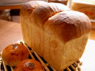 あきる野市のパン屋さん 「麦幸」(ばくこう)_c0110869_22575519.jpg