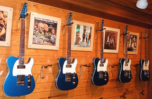 九州のShopさん別注による、当店Original Guitar。_e0053731_1916890.jpg
