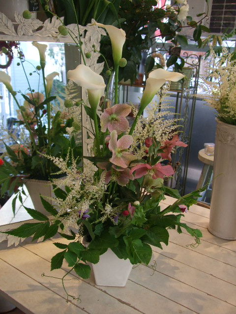 オークリーフ花の教室(峯村さん、伊藤さん、北村さんの作品)_f0049672_16165751.jpg