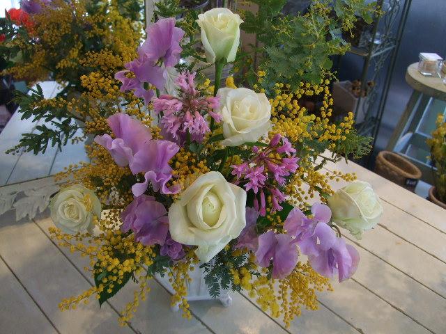 オークリーフ花の教室(峯村さん、伊藤さん、北村さんの作品)_f0049672_1652778.jpg