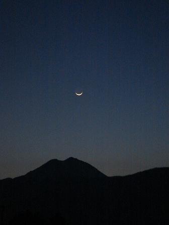 月の輪郭_a0014840_23142562.jpg