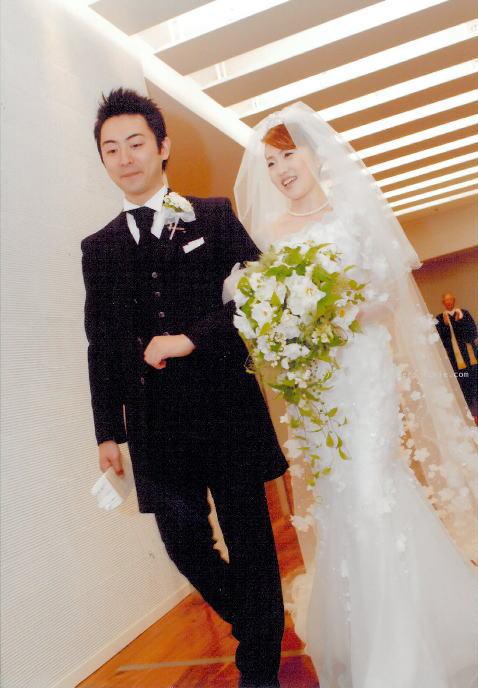 新郎新婦様からのメール  ウェディングドレス ニューオータニ様_a0042928_2342528.jpg