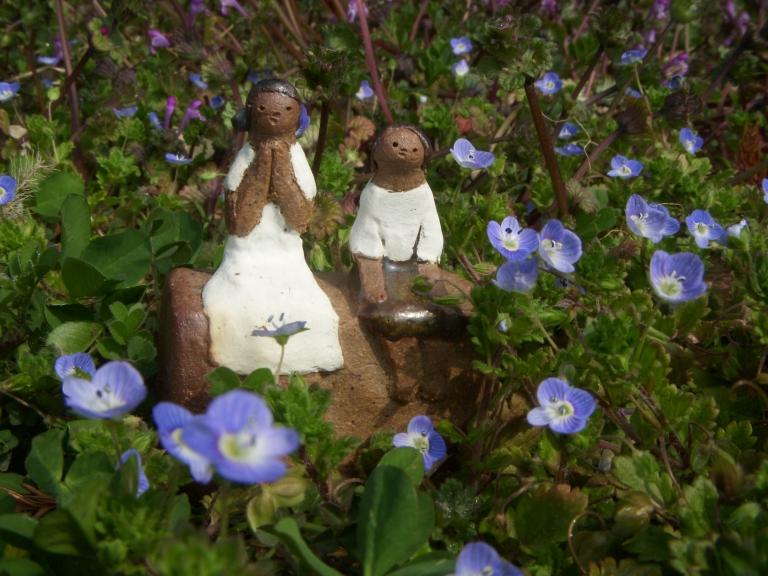 陶人形 『花と少女たち』_f0018417_113938.jpg