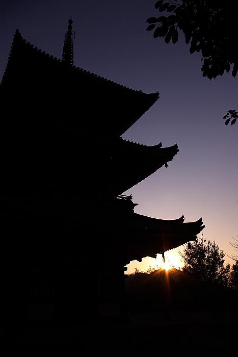 西国寺 三重塔 シルエット_c0152379_5421426.jpg