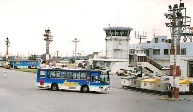 東運輸 いすゞU-LV324K +アイケー_e0030537_0304660.jpg
