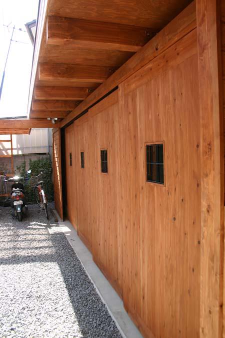 木造ガレージ_e0074935_1712874.jpg