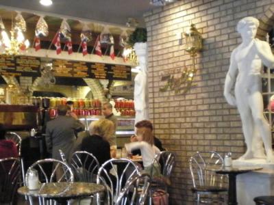 お気に入りのイタリア系カフェでパニーニ&ジェラート「CALABLIA」_d0129786_1883537.jpg
