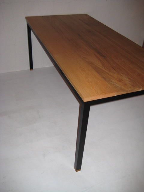 WB DINING TABLE_c0146581_11442668.jpg
