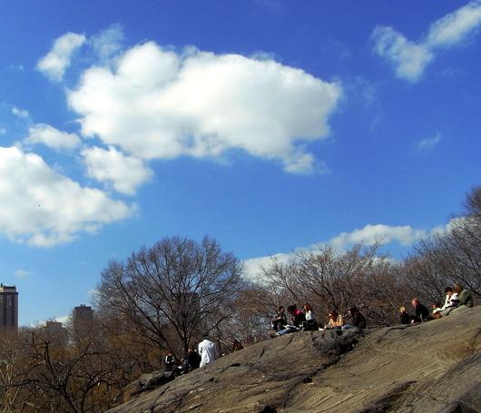 青空の下、岩山の上_b0007805_2235678.jpg