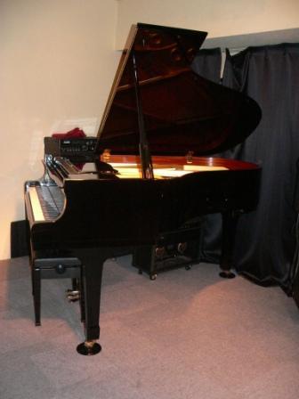♪ピアノ♪が来た♪♪_d0115919_21242559.jpg