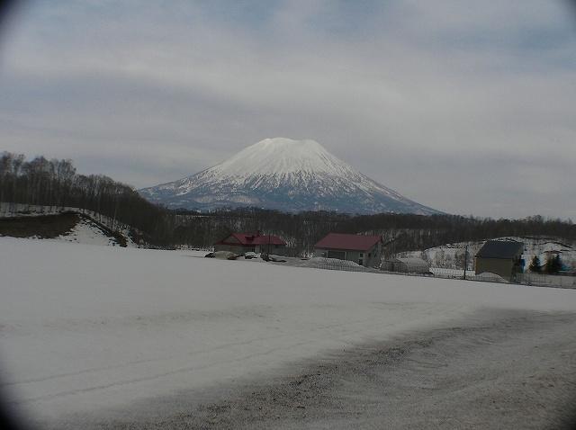 3月16日、目国内岳で山スキー_f0138096_16374864.jpg