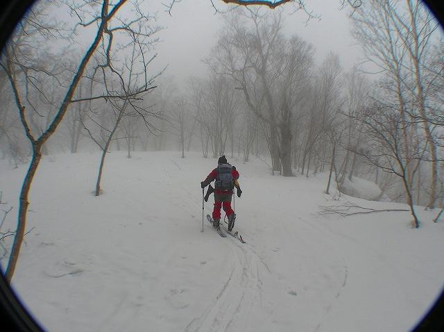 3月16日、目国内岳で山スキー_f0138096_1639047.jpg