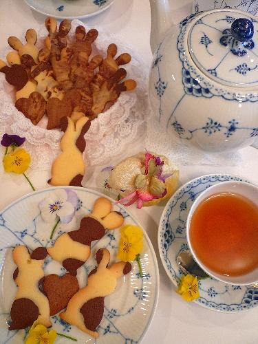 EasterのうさぎさんクッキーでMini Maria\'s Tea Cupオープンです * *。:☆.。†  _a0053662_20353830.jpg