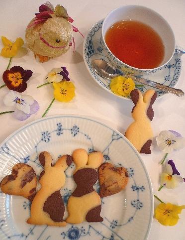 EasterのうさぎさんクッキーでMini Maria\'s Tea Cupオープンです * *。:☆.。†  _a0053662_20375133.jpg