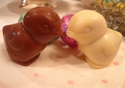 ゴディバのイースターエッグのチョコレートでHoly Saturday 聖土曜日。。。 *。:☆.。† _a0053662_11205722.jpg