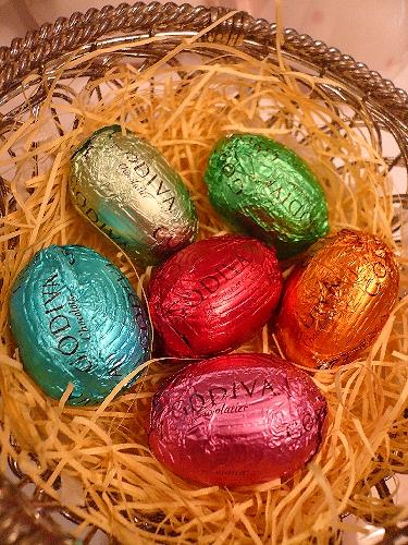 ゴディバのイースターエッグのチョコレートでHoly Saturday 聖土曜日。。。 *。:☆.。† _a0053662_11212347.jpg