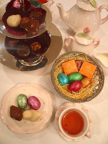 ゴディバのイースターエッグのチョコレートでHoly Saturday 聖土曜日。。。 *。:☆.。† _a0053662_11245917.jpg