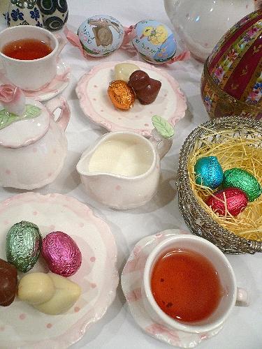 ゴディバのイースターエッグのチョコレートでHoly Saturday 聖土曜日。。。 *。:☆.。† _a0053662_11253886.jpg